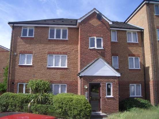 1 Bedroom Flat for sale in Express Drive, Goodmayes