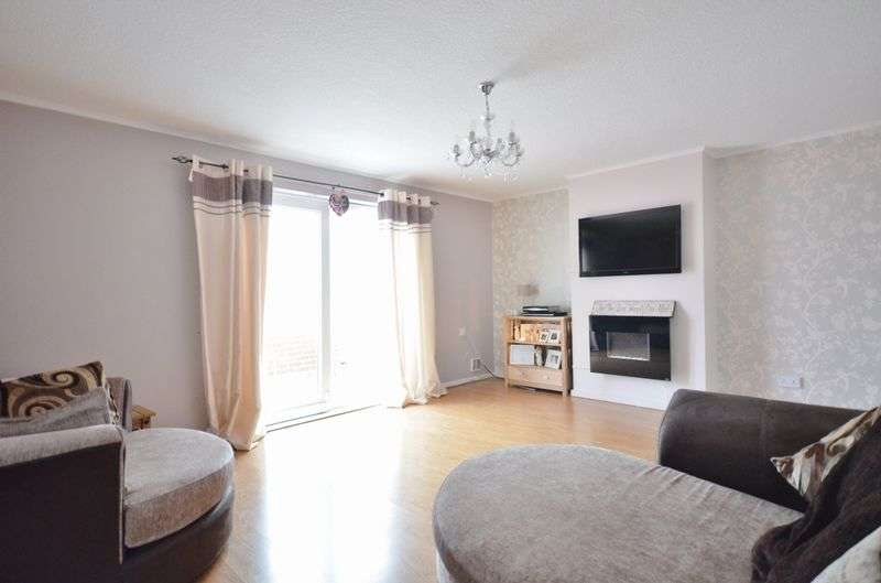 2 Bedrooms Terraced House for sale in West View Walk, Workington