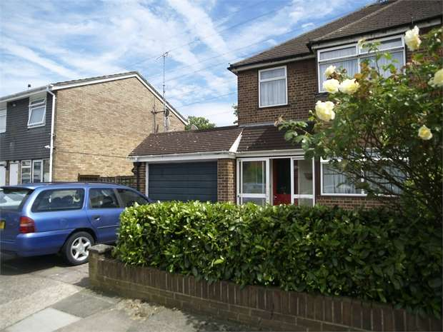 3 Bedrooms End Of Terrace House for sale in Chessington Hill Park, Chessington