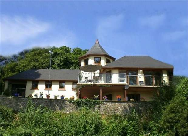 5 Bedrooms Detached House for sale in Picton Road, Neyland, Milford Haven, Pembrokeshire