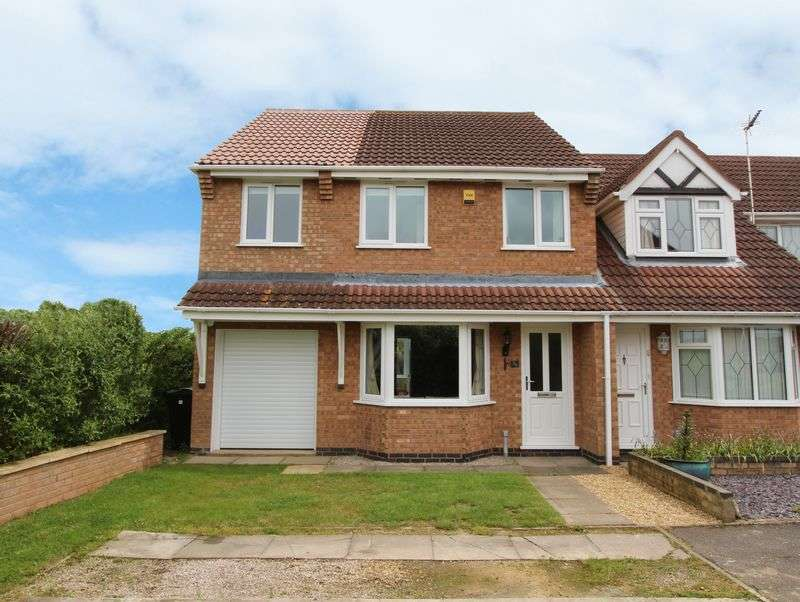 3 Bedrooms Semi Detached House for sale in Foxley Court, Bourne