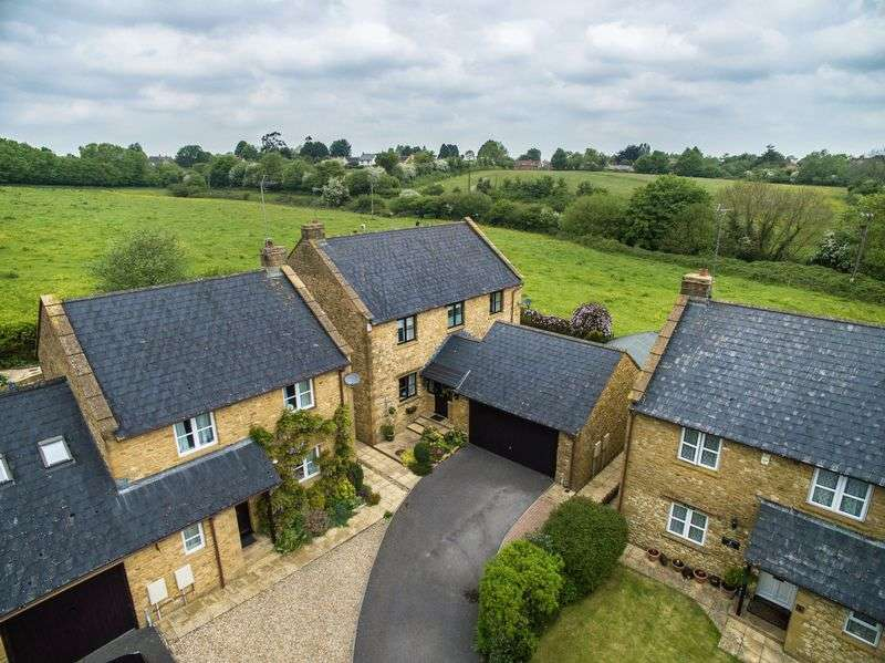 4 Bedrooms Detached House for sale in Merriott, Somerset