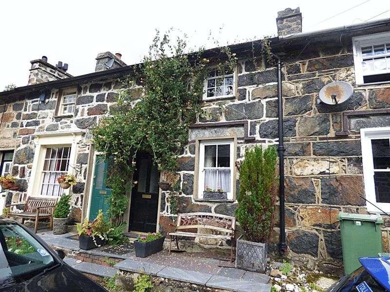 2 Bedrooms House for sale in Gwynant Street, Caernarfon