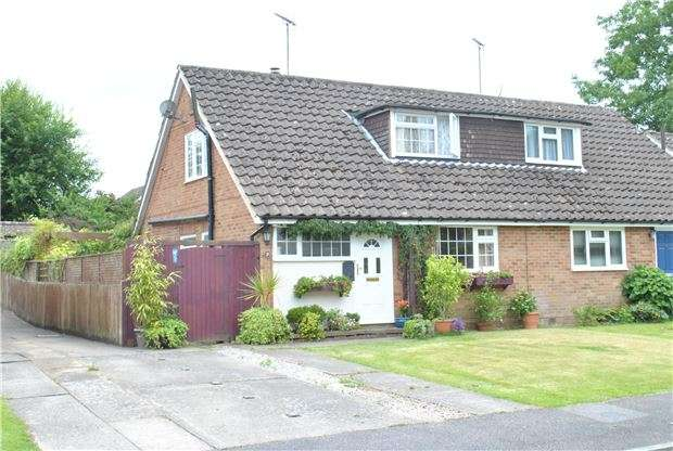 3 Bedrooms Semi Detached House for sale in Gimble Way, Pembury, TUNBRIDGE WELLS, Kent, TN2 4BX