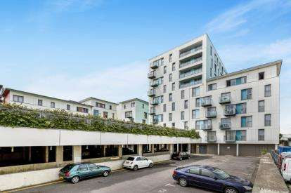1 Bedroom Flat for sale in Fratton Way, Southsea, Hampshire