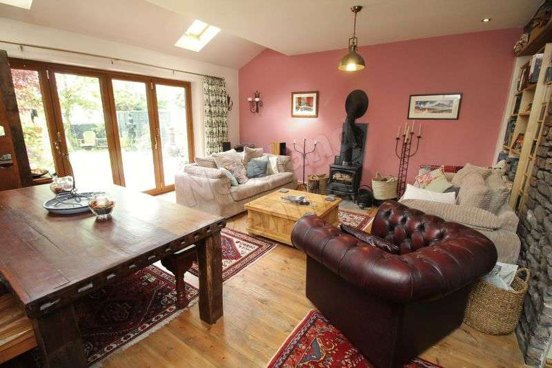 3 Bedrooms Semi Detached House for sale in Ashwell Villas, Caerleon, Newport