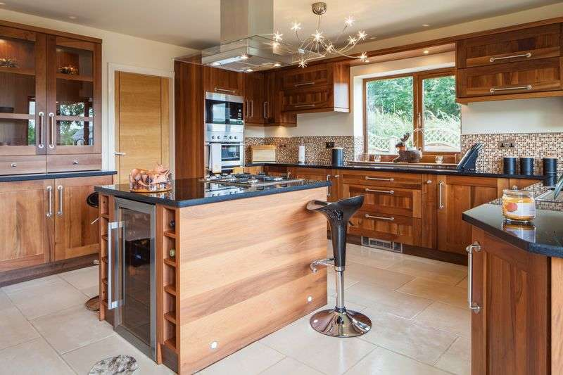 4 Bedrooms Detached House for sale in Worsley Street, Rising Bridge