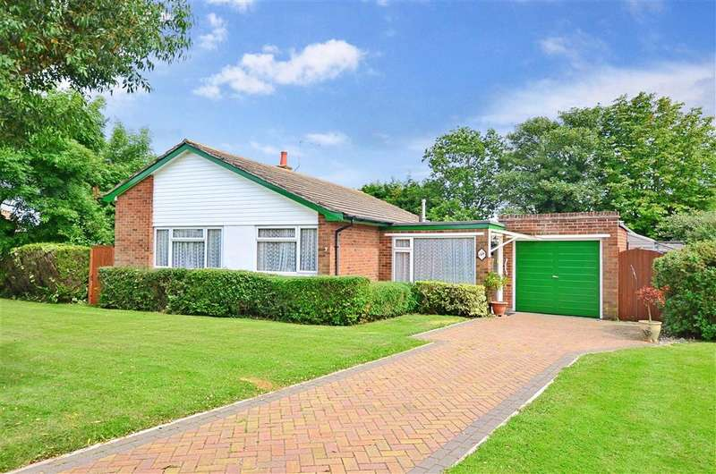 3 Bedrooms Bungalow for sale in Fairacres Close, Beltinge, Herne Bay, Kent