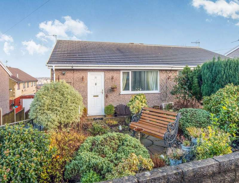 2 Bedrooms Semi Detached Bungalow for sale in Watty Hall Avenue, Bradford, BD6