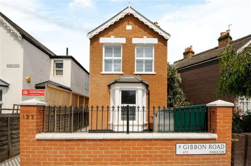 2 Bedrooms Property for sale in Gibbon Road, Kingston Upon Thames