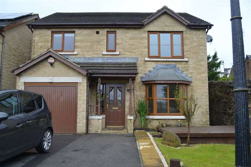 4 Bedrooms Detached House for sale in Eastfield, Denholme, Bradford