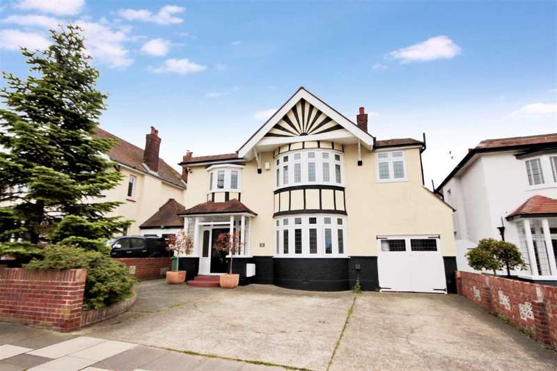 5 Bedrooms Detached House for sale in Kings Road, Clacton-on-sea