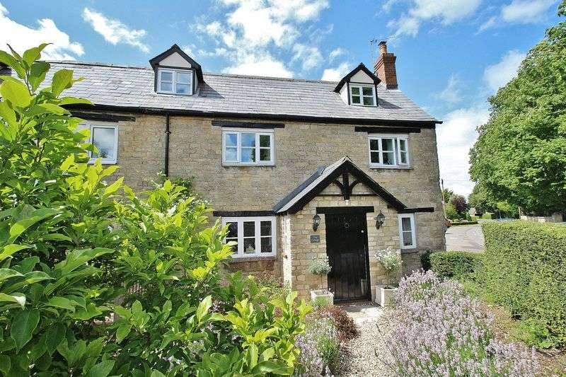 3 Bedrooms Cottage House for sale in STANDLAKE, The Cottage, Church End OX29 7SG
