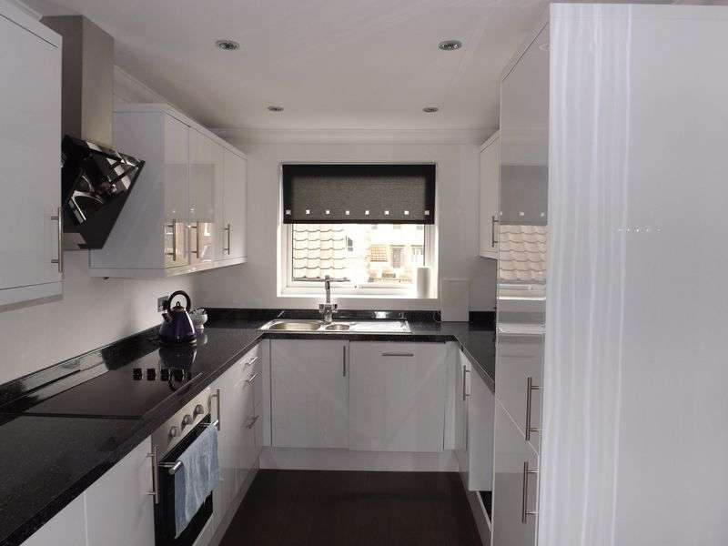 2 Bedrooms Flat for sale in Bridge Court, Yarm