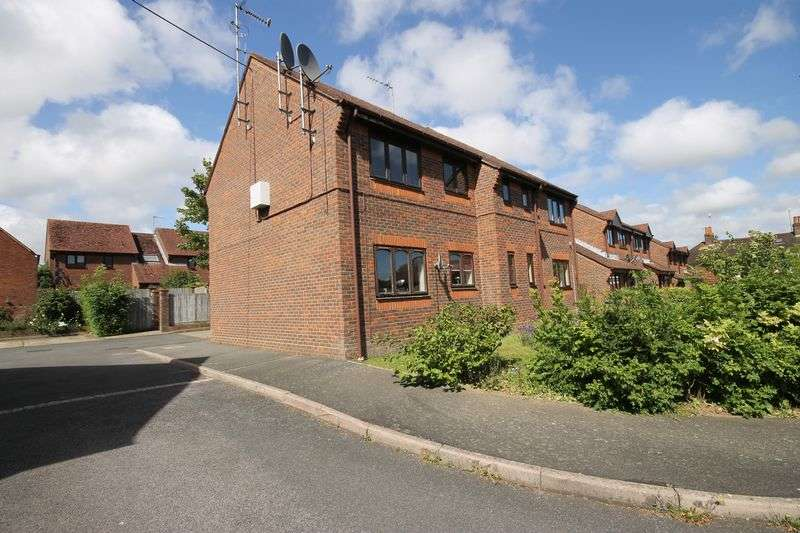 1 Bedroom Flat for sale in Old School Place, Burgess Hill, West Sussex