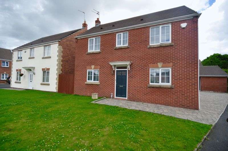 3 Bedrooms Detached House for sale in Kenley Drive, Heywood