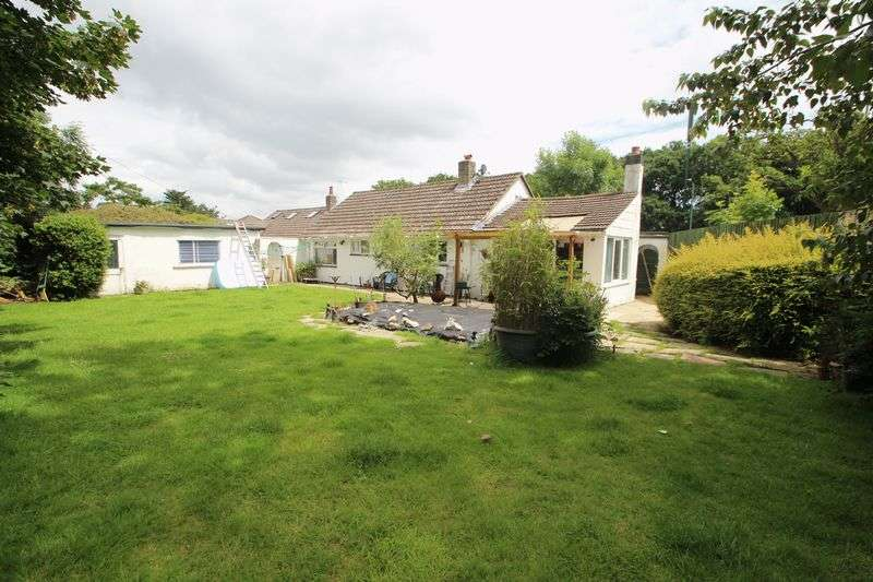2 Bedrooms Detached Bungalow for sale in Ringwood Road, Bournemouth