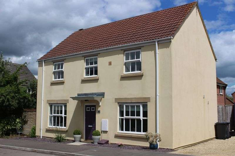 4 Bedrooms Detached House for sale in Honeysuckle Close, Calne