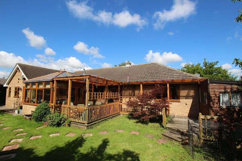 3 Bedrooms Detached Bungalow for sale in THE MOORINGS WITH ANNEXE, MAIN ROAD, WITHERN