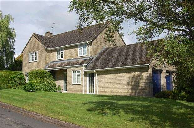 4 Bedrooms Detached House for sale in Bownham Mead, Rodborough, Stroud GL5 5DZ
