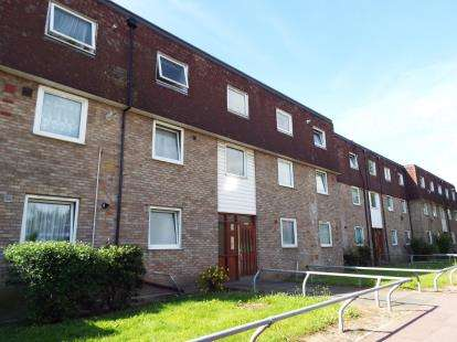 1 Bedroom Flat for sale in Dagenham