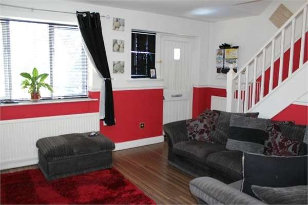 2 Bedrooms Semi Detached House for sale in Felstead, Skelmersdale, Lancashire