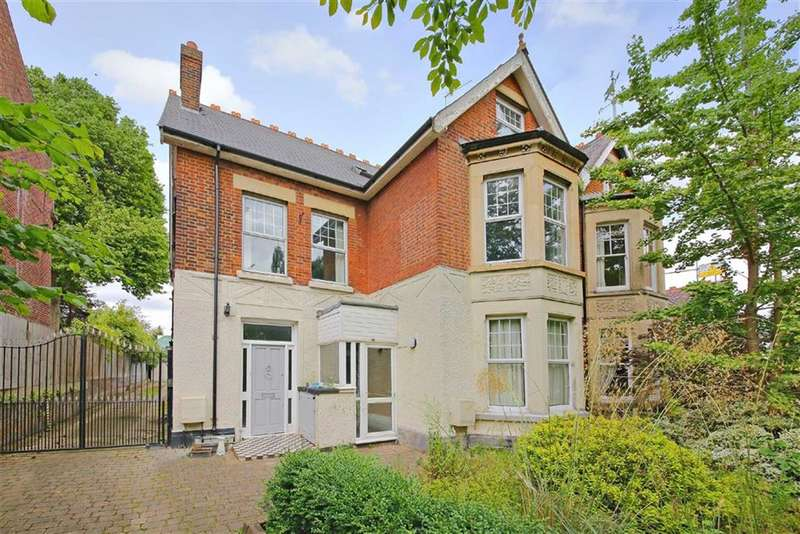 3 Bedrooms Property for sale in Bush Hill Road, Winchmore Hill, London