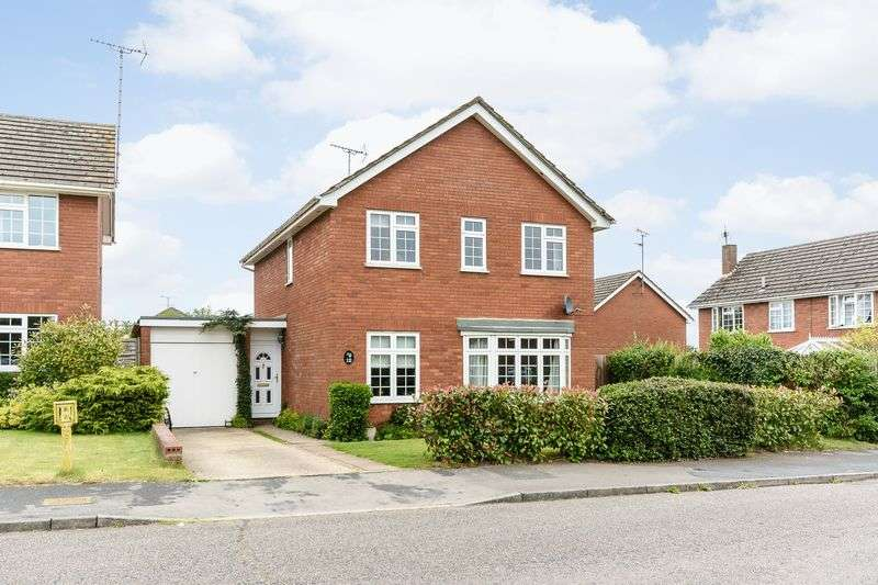 4 Bedrooms Detached House for sale in Cromhamstone, Stone, Aylesbury