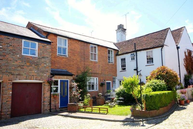 3 Bedrooms Terraced House for sale in 3 Bedroom Cottage, High Street, Markyate,