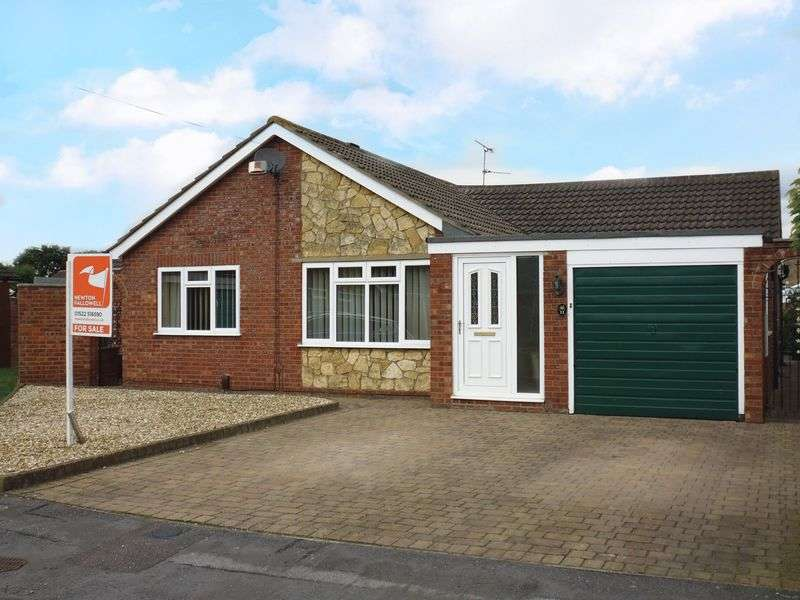 3 Bedrooms Detached Bungalow for sale in Pateley Moor Close, North Hykeham