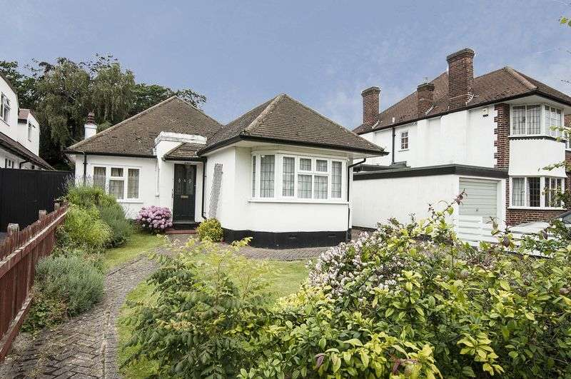 3 Bedrooms Detached Bungalow for sale in Burwood Park Road, Walton On Thames.