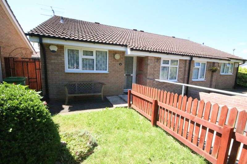 2 Bedrooms Semi Detached Bungalow for sale in Brython Drive, St.Mellons