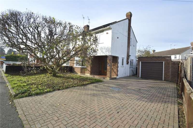 3 Bedrooms Semi Detached House for sale in Hatch Lane, Windsor, Berkshire, SL4