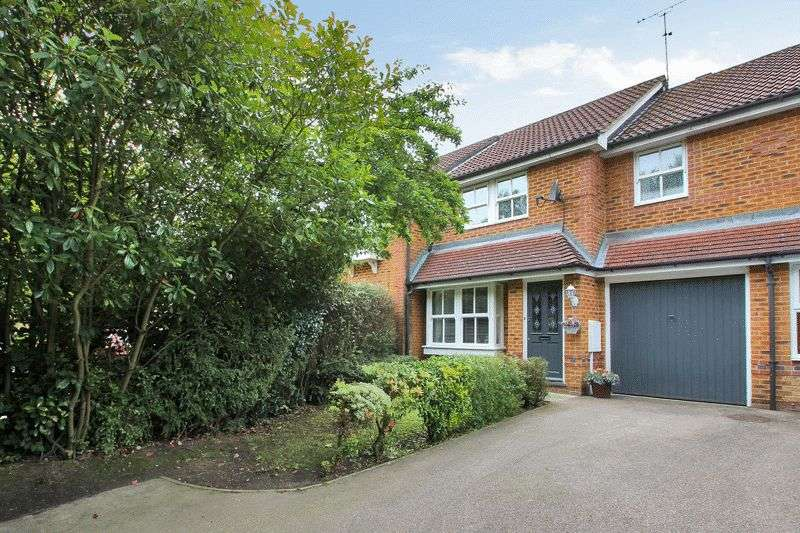 3 Bedrooms Terraced House for sale in Bennett Close, Maidenbower, Crawley, West Sussex