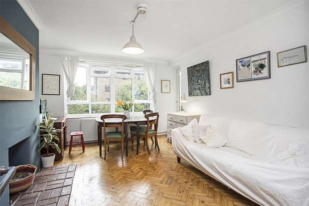 3 Bedrooms Flat for sale in Larch Avenue, Acton