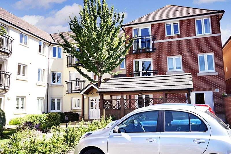 1 Bedroom Retirement Property for sale in Seward Court, Highcliffe, BH23 5HD