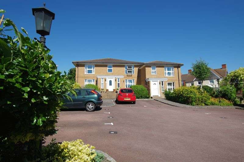 2 Bedrooms Flat for sale in Tithe Barn Crescent