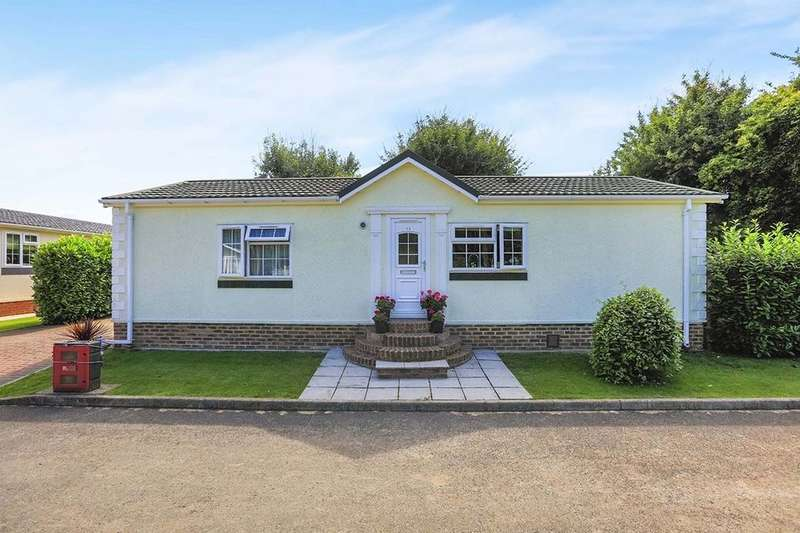 2 Bedrooms Bungalow for sale in Ropersole Park Dover Road, Barham, Canterbury, CT4