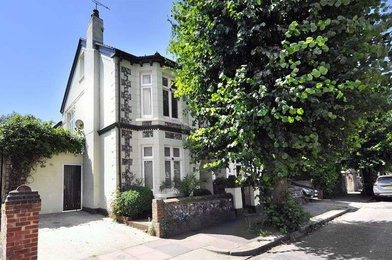4 Bedrooms Semi Detached House for sale in Cambridge Road, Worthing