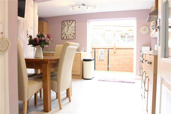 3 Bedrooms End Of Terrace House for sale in Nansen Road, Gravesend, Gravesend