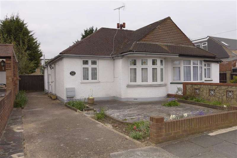 3 Bedrooms Property for sale in Queens Avenue, Stanmore, Middlesex
