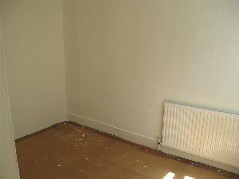 2 Bedrooms Terraced House for sale in Tower Hamlets Road, Dover, Kent