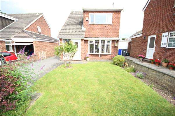 3 Bedrooms Detached House for sale in Ainsdale Close, Lightwood, Stoke-on-Trent