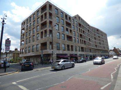 2 Bedrooms Flat for sale in Fore Street, London