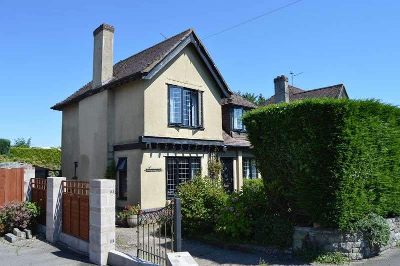 3 Bedrooms Detached House for sale in Christys Lane, Shaftesbury