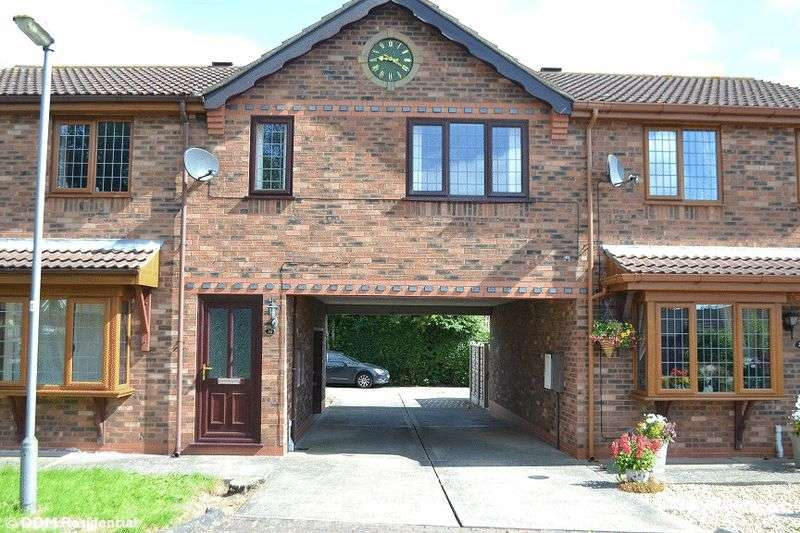 1 Bedroom Flat for sale in Hadleigh Green, Burringham, DN17 3NJ