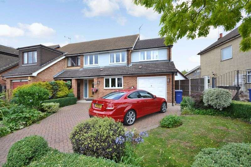 3 Bedrooms Semi Detached House for sale in Mill Lane, Stanford-Le-Hope