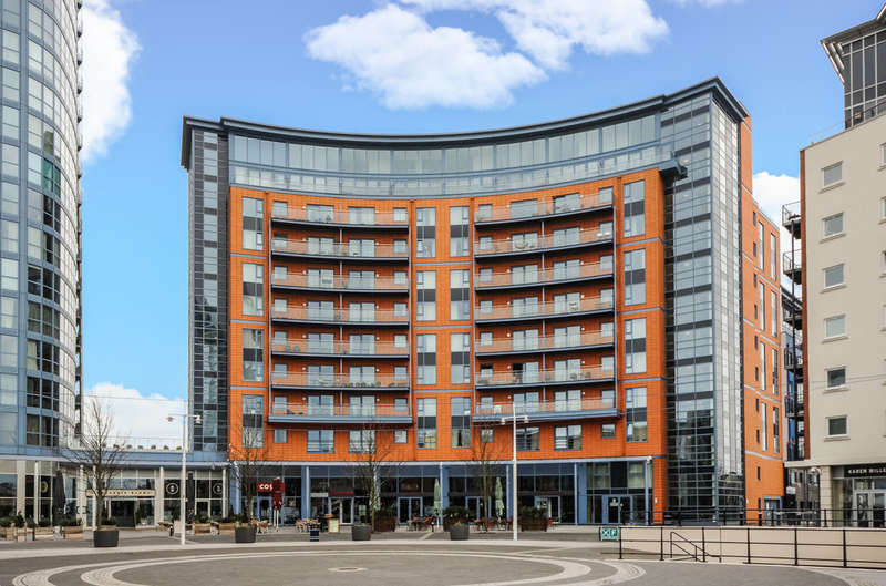 1 Bedroom Flat for sale in The Crescent Building , Gunwharf Quays