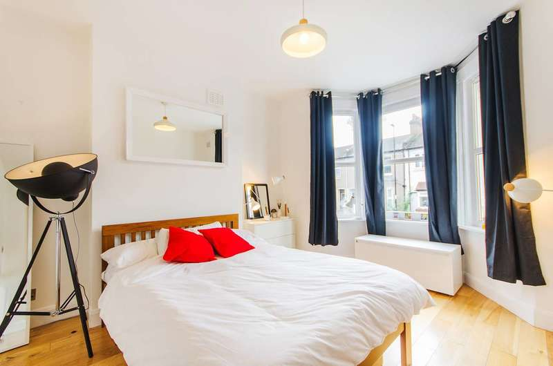 4 Bedrooms House for sale in Foxberry Road, Brockley, SE4