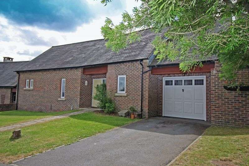 3 Bedrooms Bungalow for sale in Hectors Way, Blandford St. Mary